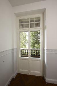 Balkonfenster mit Kaempfer