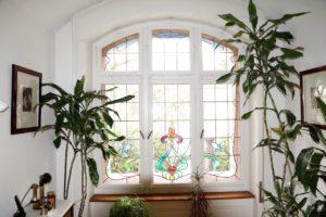 Bleiverglasung mit Palmen