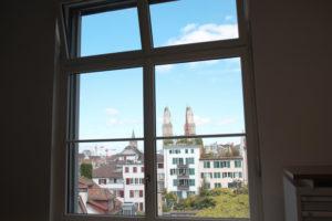 Fenster Ausicht Grossmuenster Zürich