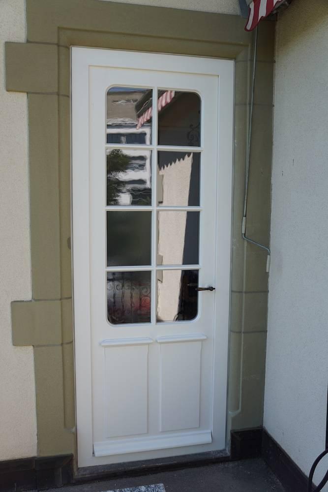 Tür mit runden Ecken aussen