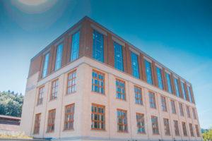 industriebau-vorfenster-antikhaus