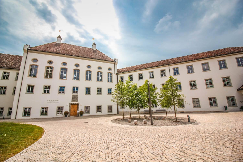 klosterplatz-klosterinsel-rheinau