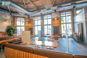 restaurant-grosse-holzfenster