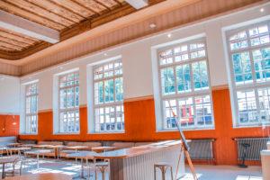 restaurant-schallschutz-sprossenfenster-eisenbahn